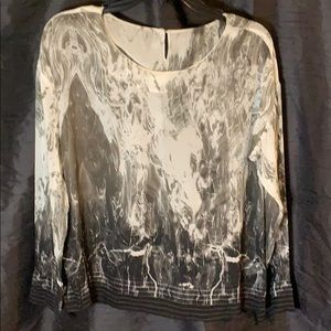 Sassy black EXRU Ling Sleeve Blouse -Size Small
